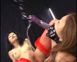 Japanese lesbians squirting