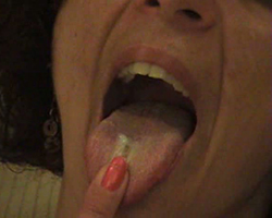 mature eats pussy cream